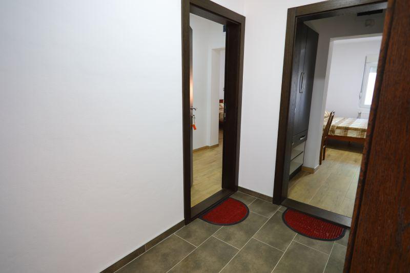 Lux Studio 3 - Kalinovica Sokobanja hodnik